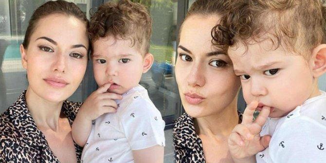 Fahriye Evcen ile oğlu Karan sosyal medyaya damga vurdu! 'Babası gibi keskin bakışlım...'