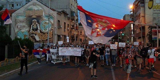 Hükümet karşıtı protesto başladı