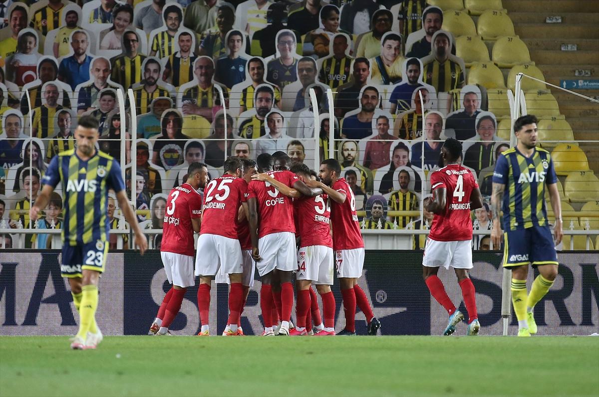 Fenerbahçe yine kayıp! Avrupa şansı mucizelere kaldı