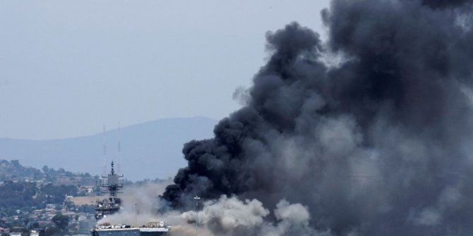 ABD'de savaş gemisinde yangın