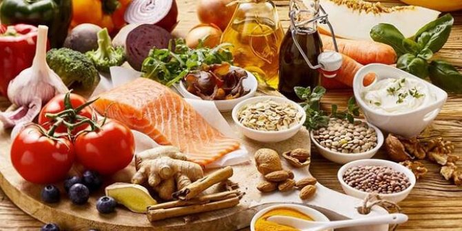 Uzmanlar uyarıyor! Korona döneminde diyet yapmayın