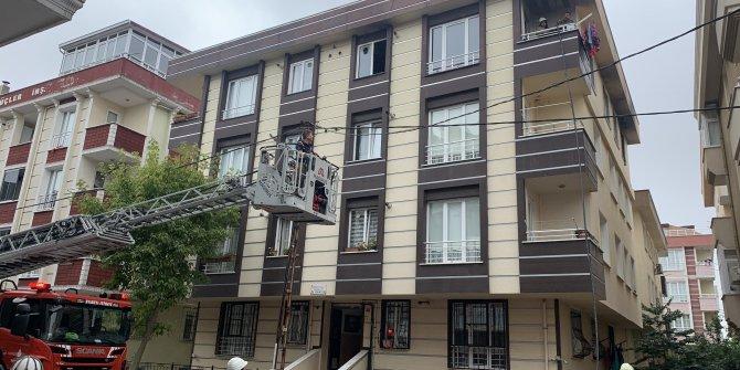 Çekmeköy'de 3 katlı binada yangın