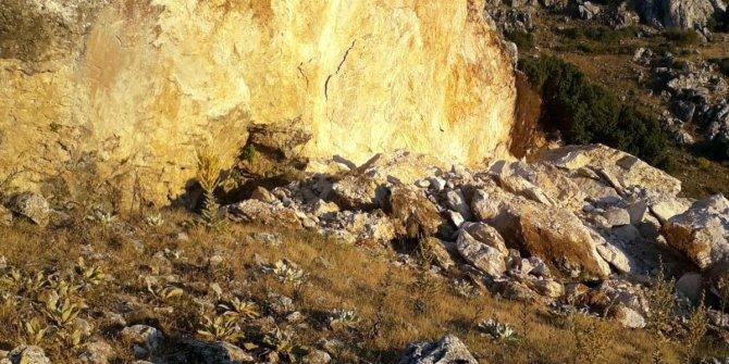 Define avcıları dev kayayı kral mezarı için dinamitliyor