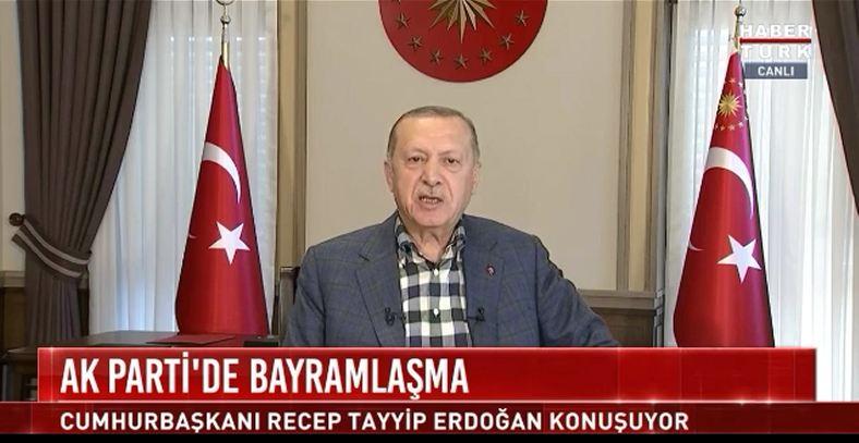 Cumhurbaşkanı Erdoğan, konuşması sırasında prompter durunca böyle tepki verdi