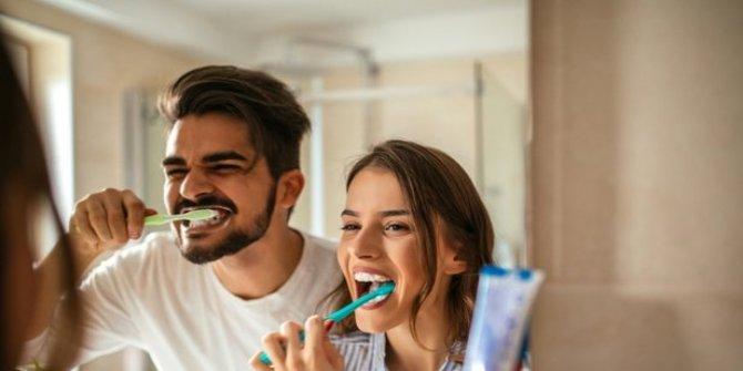 Diş fırçalama teknikleri! Hangi adla bilinen bir diş fırçalama tekniği yoktur?