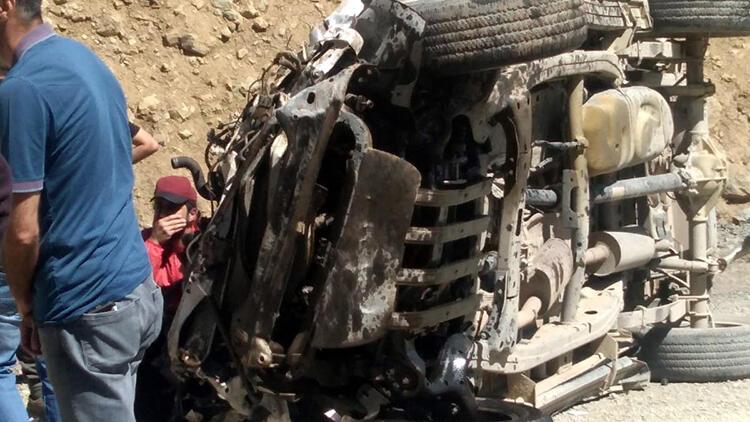 Hakkari Yüksekova'da araç uçuruma yuvarlandı: 6 ölü!