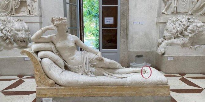 İtalyan polisi peşine düştü! Heykelin üzerine oturdu müzenin kaderiyle oynadı