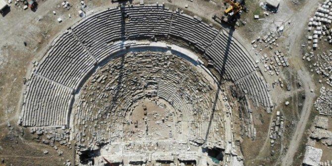 Laodikya Antik Kenti'nde bulunan tiyatro bin 600 yıl sonra seyirciyle buluşacak