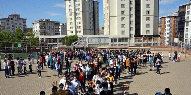 Okulların açılmasına sayılı günler kala Prof. Dr. Mehmet Ceyhan'dan en kritik uyarılar geldi