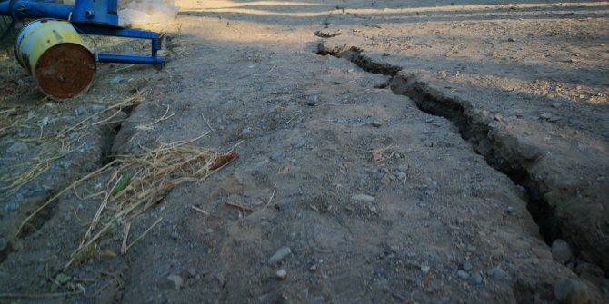 Tabiatın gücü Malatya'da yolları yardı
