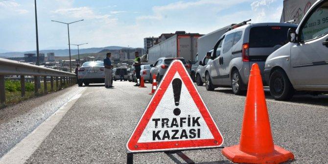 Amasya'da hafif ticari araç duvara çarptı: 1 ölü, 1 yaralı