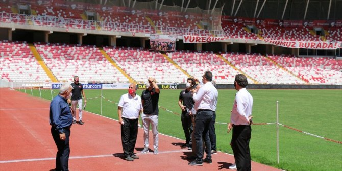 UEFA ve TFF heyeti, Yeni 4 Eylül Stadyumu'nu inceledi