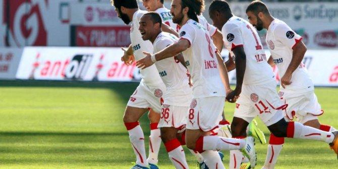 Antalyaspor 5 futbolcu ile yollarını ayırdı