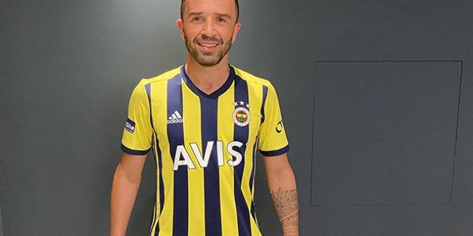 Fenerbahçe, Gökhan Gönül'ü resmen açıkladı