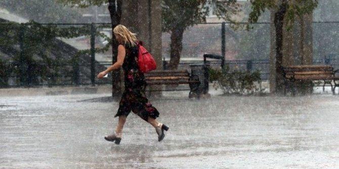 Meteoroloji'den flaş uyarı: 3 bölge için sağanak alarmı
