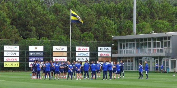 Fenerbahçe'de Erol Bulut yönetiminde ilk antrenman