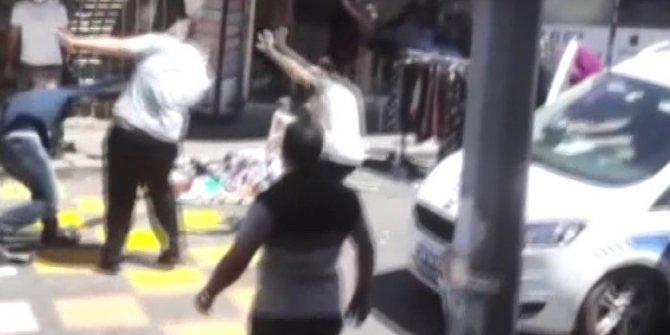Vatandaşlar dehşete düştü! Caddede sopalı bıçaklı kavga