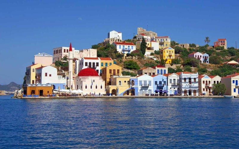 Meis adası nerede? Yunanistan'a bağlı Meis Adası Türkiye'ye kaç km uzaklıkta?