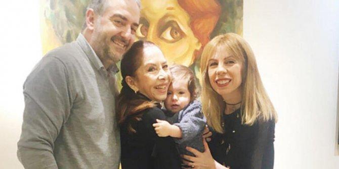 Şarkıcı Hümeyra'nın acı günü 47 yaşındaki oğlu Sadık Bigat hayatını kaybetti
