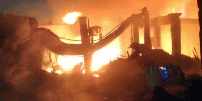 Alevler 382 aileyi evsiz bıraktı