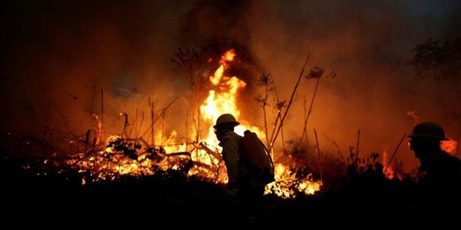 """Amazon ormanlarında 10 günde 10 bin yangın çıktı: Brezilya Devlet Başkanı """"Yok öyle bir şey"""" dedi"""
