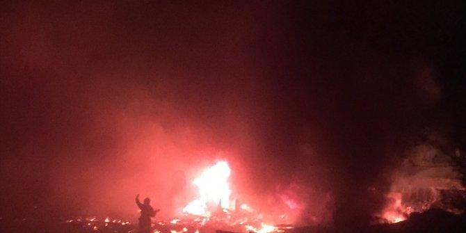 Keresteciler Sitesi'nde iki atölye bir traktör yandı! Belediye Başkan Yardımcısı: Problem yok