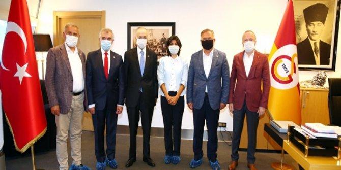 CHP'li vekillerden Galatasaray Başkanı Mustafa Cengiz'e geçmiş olsun ziyareti