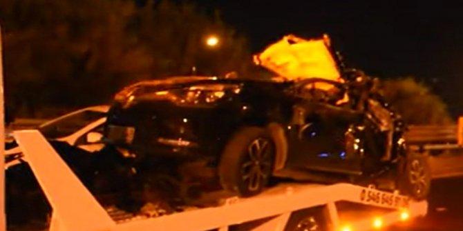 İzmir'de tuğla yüklü kamyon kasası otomobilin üstüne devrildi!16 yaşındaki Bora hayatını kaybetti