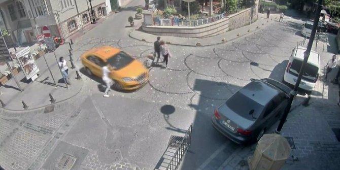 Turistin unuttuğu telefonla kaçan taksi şoförü yokuşun aşağısında yakalandı: İnanılmaz görüntüler