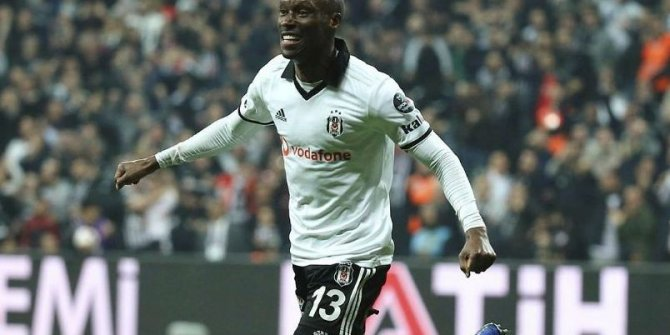 Atiba Hutchinson, 1 yıl daha Beşiktaş'ta
