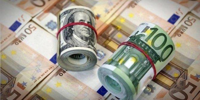 Dolar ve euroda yükseliş sürüyor.  Euro 8,92 lira, dolar 7,60 lira oldu