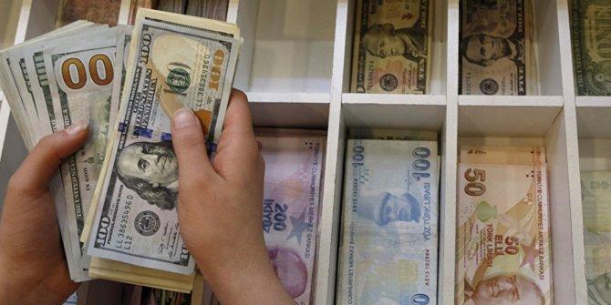 Dolar, 7,56 liraya yükseldi, euro 9 liraya dayandı