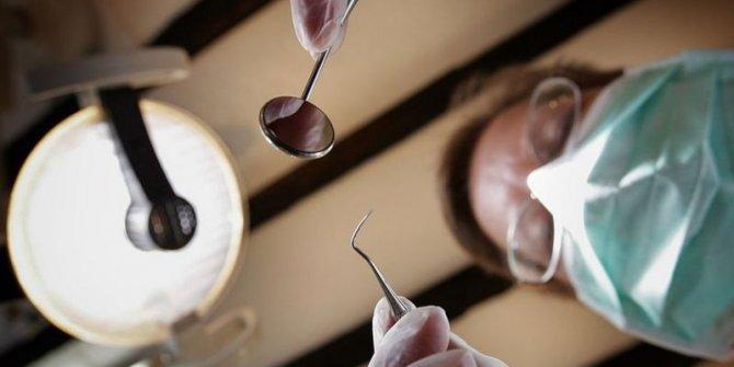 Çılgın diş doktoru öyle bir şey yaptı ki. 10 sene mesleğini yapamayacak