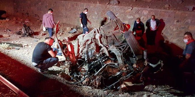 Niğde'de feci kaza: 3 ölü 2 yaralı