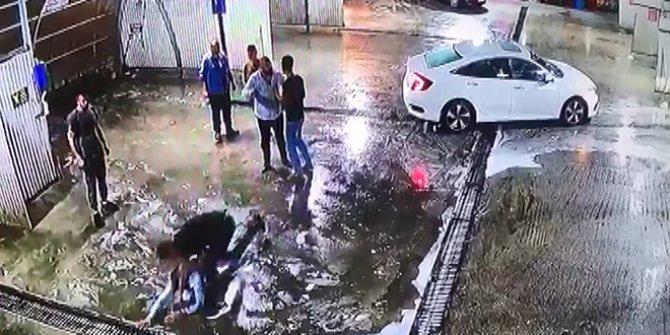 Önce dövdüler sonra arabadan attılar, tam kurtuldum derken başka bir araba ezdi