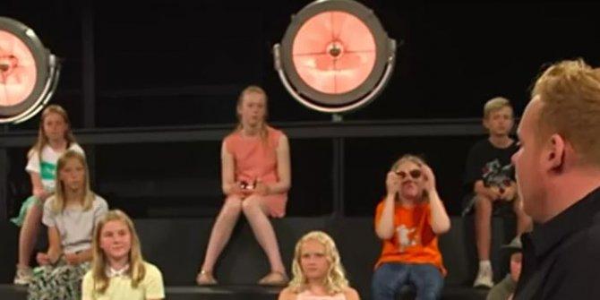 Danimarka'da çocuk kanalında skandal: Yetişkinler çocukların önünde soyundu