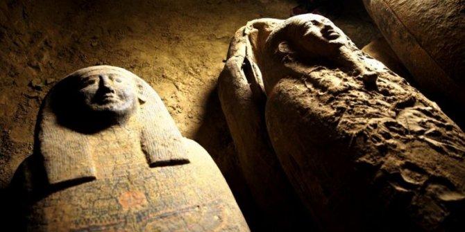 Mısır'da 2 bin 500 yıl öncesine ait 27 lahit bulundu