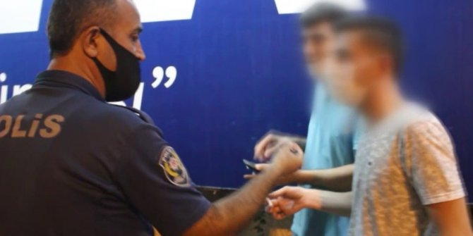 Polisin dalgınlığından faydalansa da ceza yemekten kurtulamadı