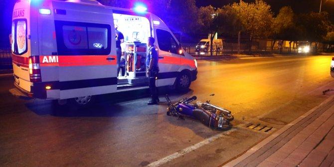 Adana'da iki motosiklet çarpıştı! 1 ağır 3 yaralı