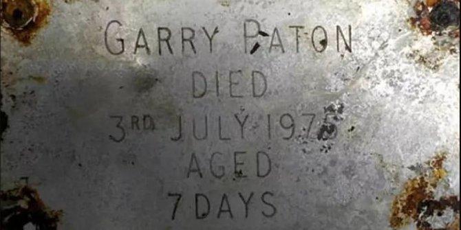 45 yıl önce ölen bebeğinin mezarı boş çıktı, aile tazminat davası açtı