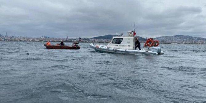 Marmara Denizi'ne intihar etmek için 2 bin 500 metre açılan kadına 1 saat yalvardılar