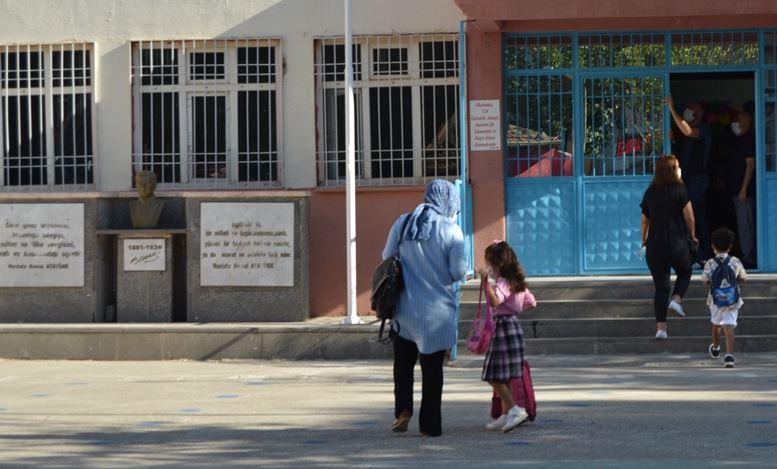 Eğitim Sen Başkanı açıkladı 600'ün üzerinde eğitimci koronaya yakalandı