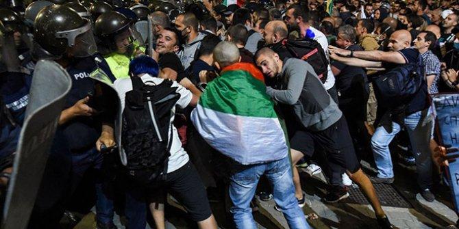 Bulgaristan'daki gösterilerde cumhurbaşkanı bile göstericilerden yana tavır koydu. Bu ülkeden geçecek Almancılar dikkat etsin