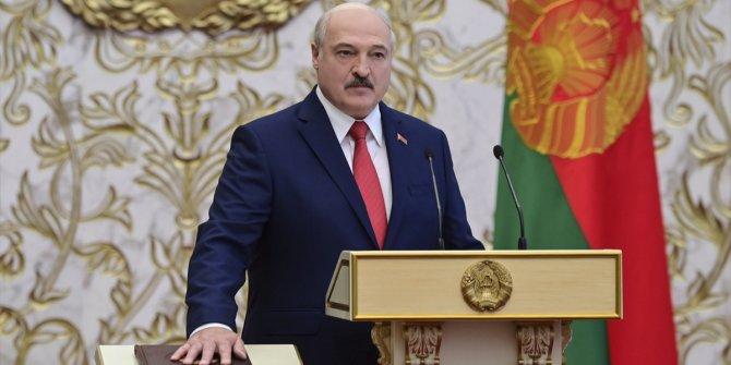 Lukaşenko yemin ederek görevine başladı