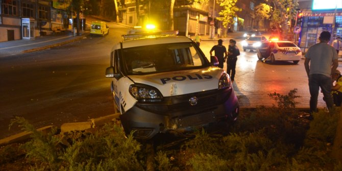 Kahramanmaraş'ta polis aracı kovalamaca esnasında kaza yaptı