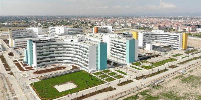 Şehir hastanelerinin kamuya 8 aylık kira ve hizmet bedeli dudak uçuklattı, ünlü ekonomist paylaştı