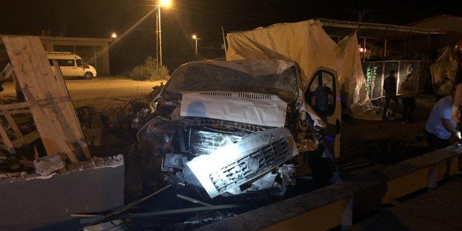 Iğdır'da yardıma giden filyasyon ekibi kaza yaptı