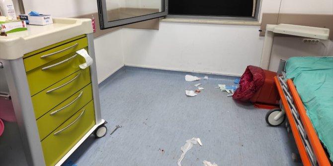 Yaralı kişinin iyiliği için uyardı! Sağlık çalışanı tekme, tokat, makaslı saldırıya maruz kaldı! Karşılığı bu mu olacaktı! Sakarya Hastanesi'nde sağlık çalışanı darp edildi