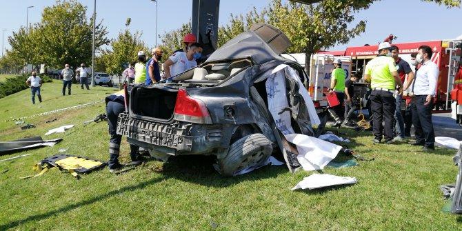 Bakırköy'de korkunç kaza; Sürücüsü feci şekilde can verdi