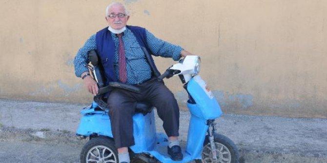 78 yaşında, 3. kez evlenmek için duraklara ilan astı! Yaş 70 iş bitmemiş